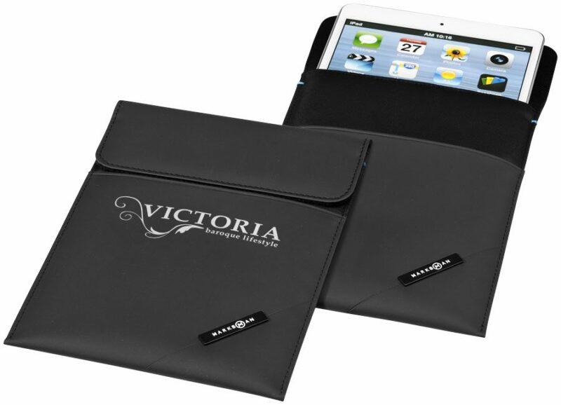 objet-publicitaire-petite-quantité-sacoche-tablette-noire-matelassee