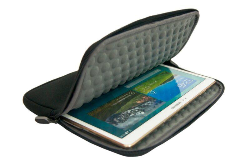 cadeau-entreprise-housse-tablette-universelle-noire-9-pouces