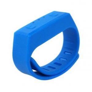 cadeaux-ce-mini-bracelet-connecte-silicone-yonis-bleu
