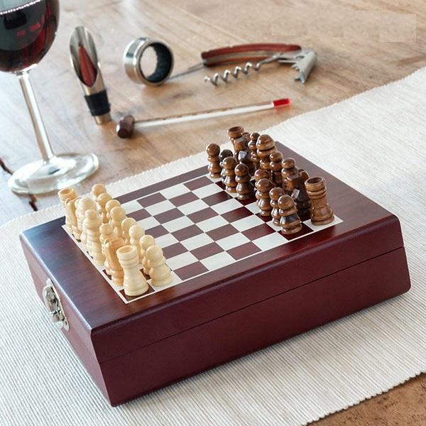 cadeau-ce-jeu-echecs-accessoires-vin-luxe
