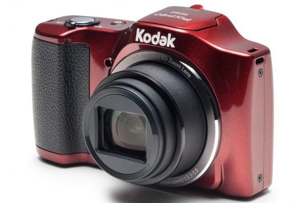 idee-cadeau-pour-salaries-appareil-photo-kodak-pixpro-rouge