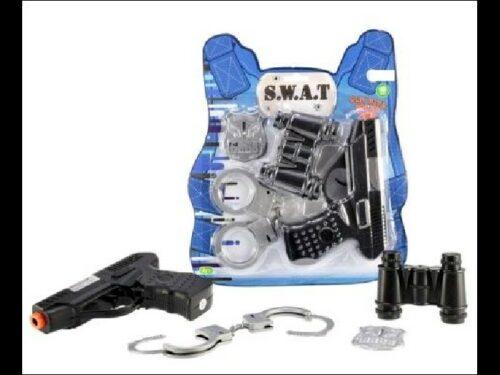 specialiste-du-cadeau-d-entreprise-panoplie-police-swat-pistolet-menottes