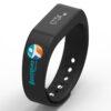 Bracelet-connecte-cadeaux-ce-avec-logo-noir