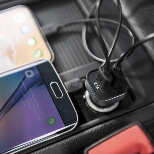 cadeau-high-tech-ensemble-accessoires-telephones-portables