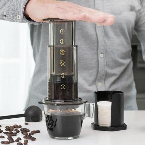 cadeau-original-cafetiere-pression-manuelle