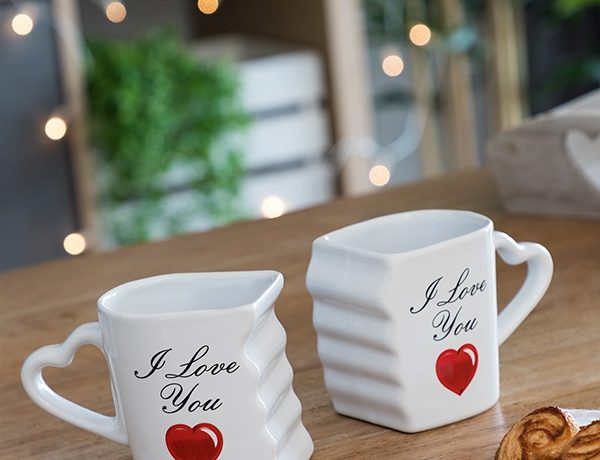 idee-cadeau-femme-tasses-coeur-design