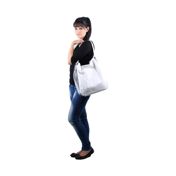 idee-cadeau-sac-bandouliere-femme-calvin-klein-tendance