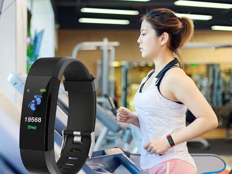 montre-connectee-fitness-tracker-bluetooth-noire-cadeaux-et-hightech-pas-chers