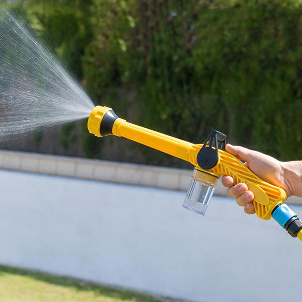 idee-de-cadeau-pistolet-eau-a-pression